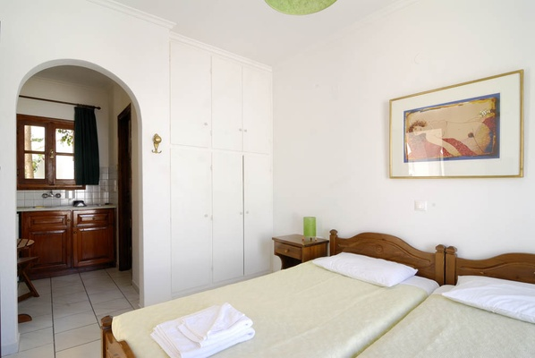 Studio, Self-catering