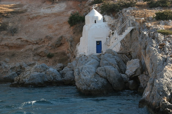 The tiny chapel of Agios Sostis
